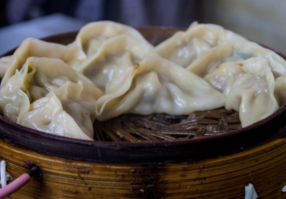 蒸饺 steamed dumplings