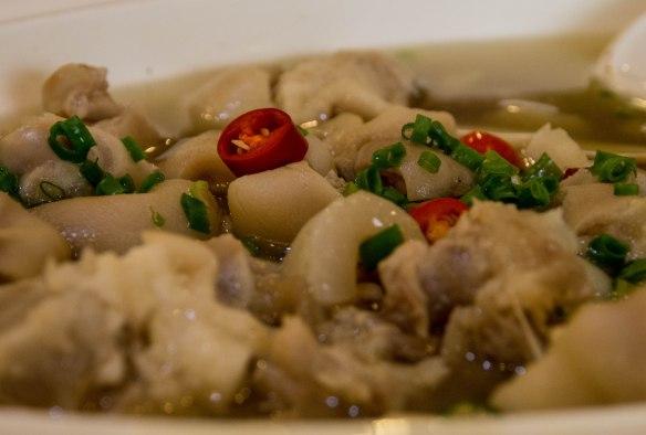 鲜椒美容蹄 xiān jiāo měiróng tí (Pig trotters with fresh pepper)