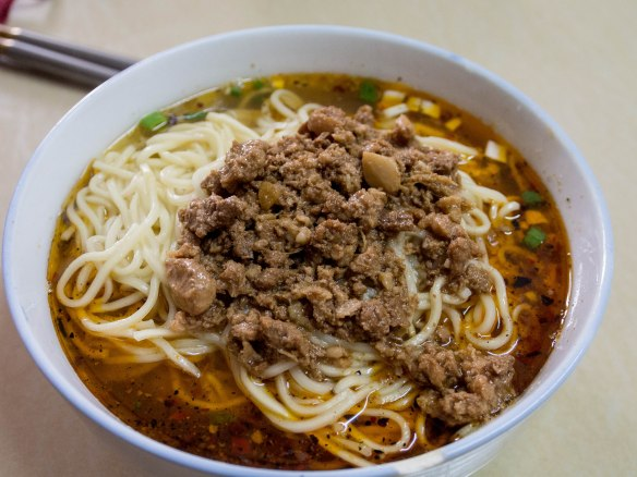 Fresh noodles with minced pork