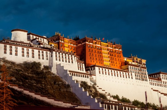 Potala Palace at dusk